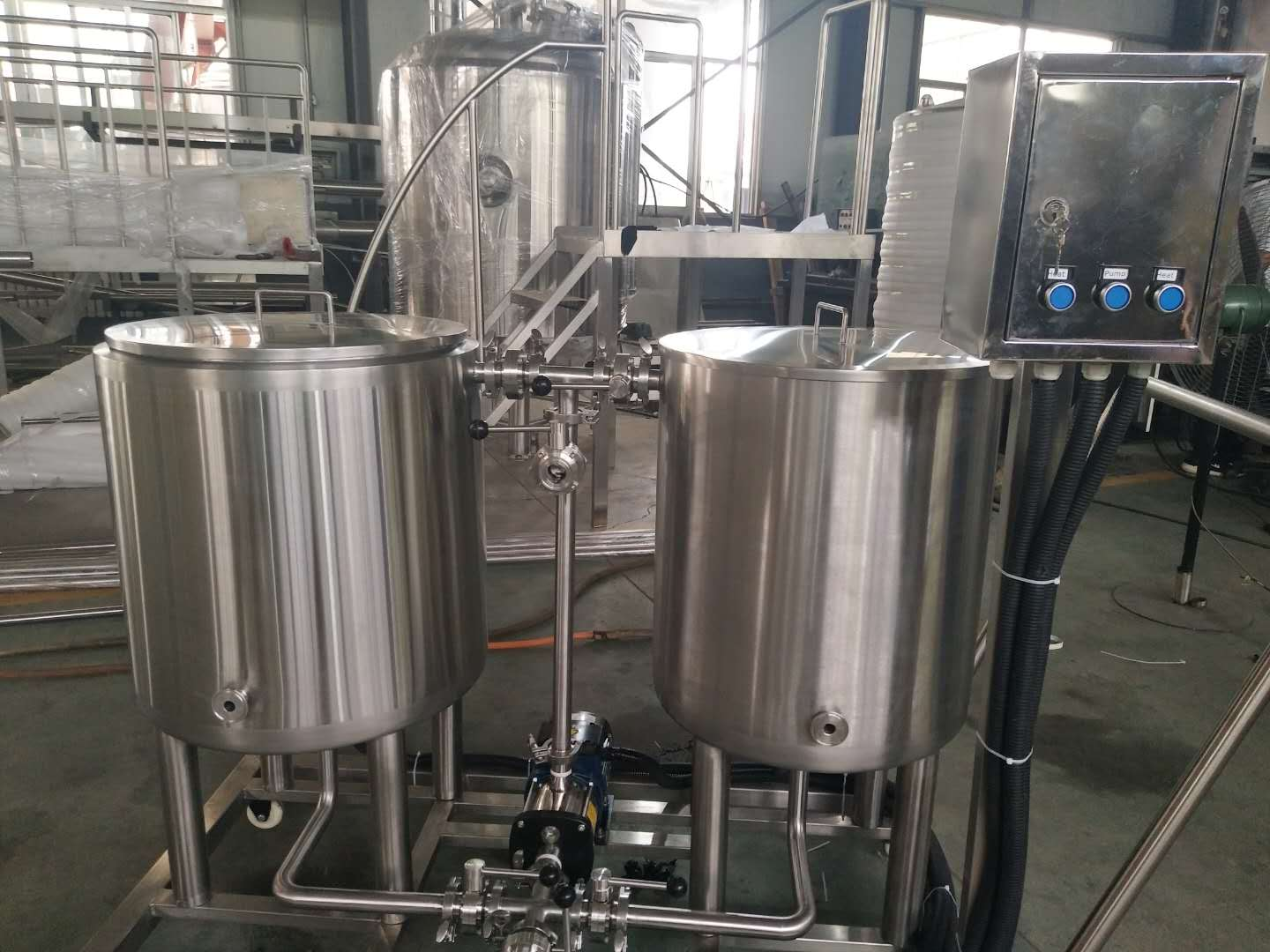 Peru small microbrewery equipment of stainless steel from China factory supplier W1