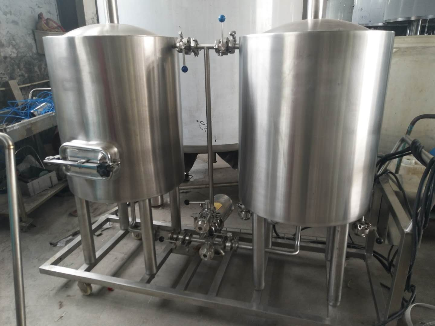 Chinese manufacturer auto / manual microbrewery beer brewing equipment of stainless steel to Poland 2020 W1