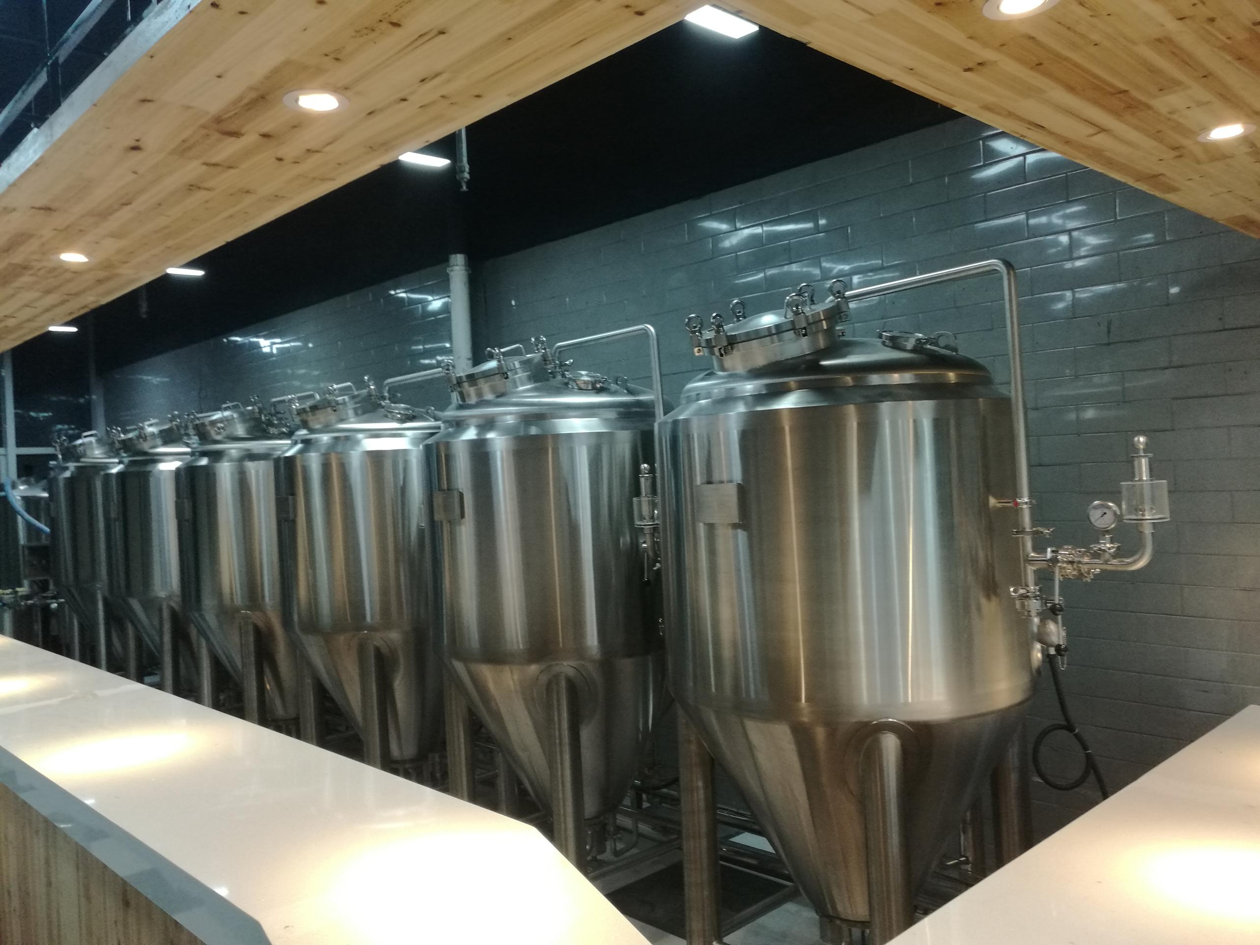 Commercial beer brewery equipment for pub owner in Korea