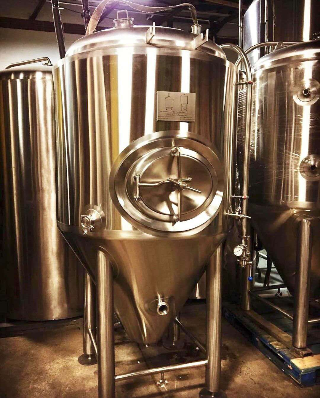 Stainless steel fermentation pail and conical beer fermentor tank from WEMAC factory