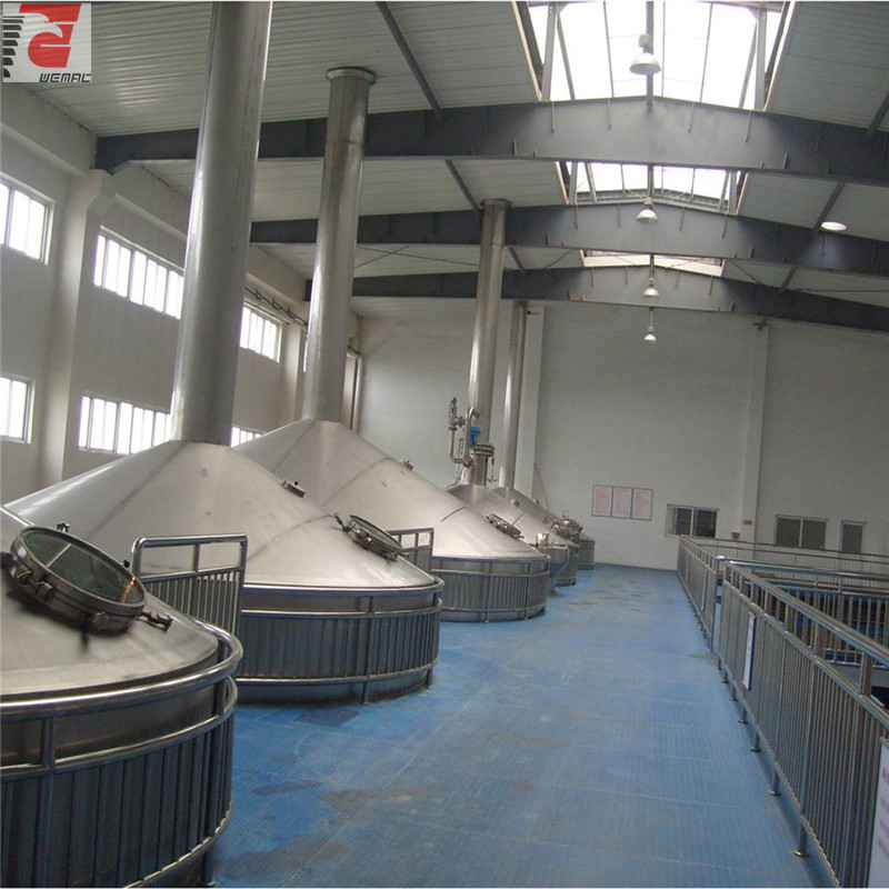 large-scale-beer-brewing-equipment.jpg