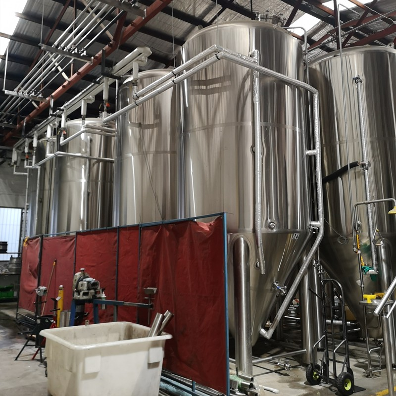 2000L beer brewing equipment.jpg