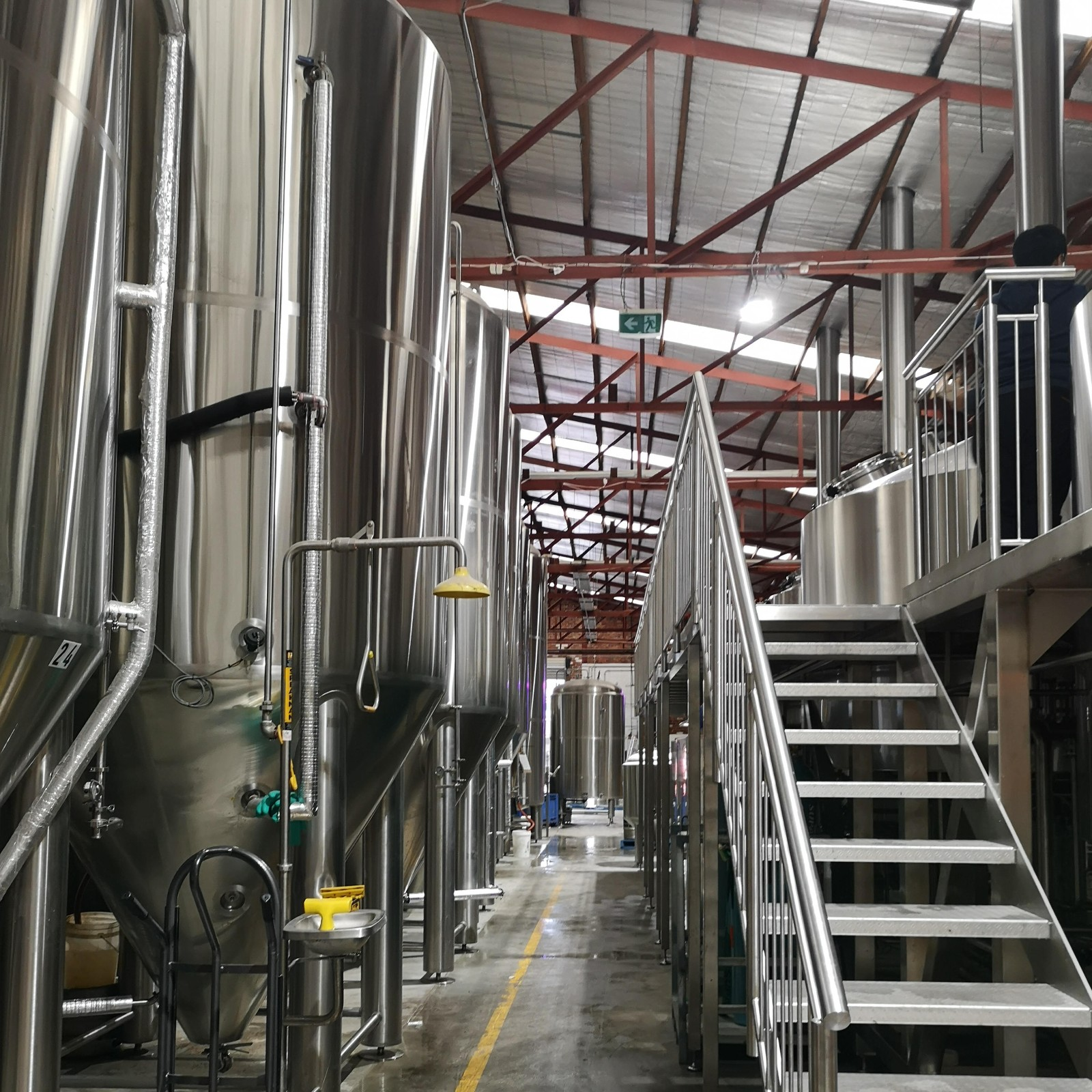 2000L big size beer brewing equipment (1).jpg