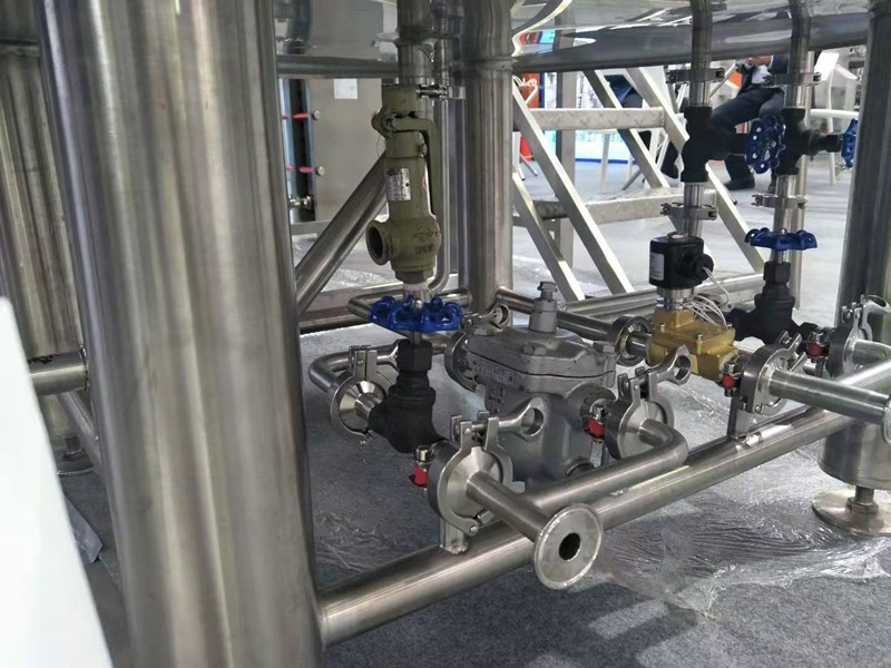 pipelines-valves-beer brewery-micro brewery-beer brewing-craft beer-draft ber-lager beer-ipa beer-supplier-manufacturer_副本.jpg