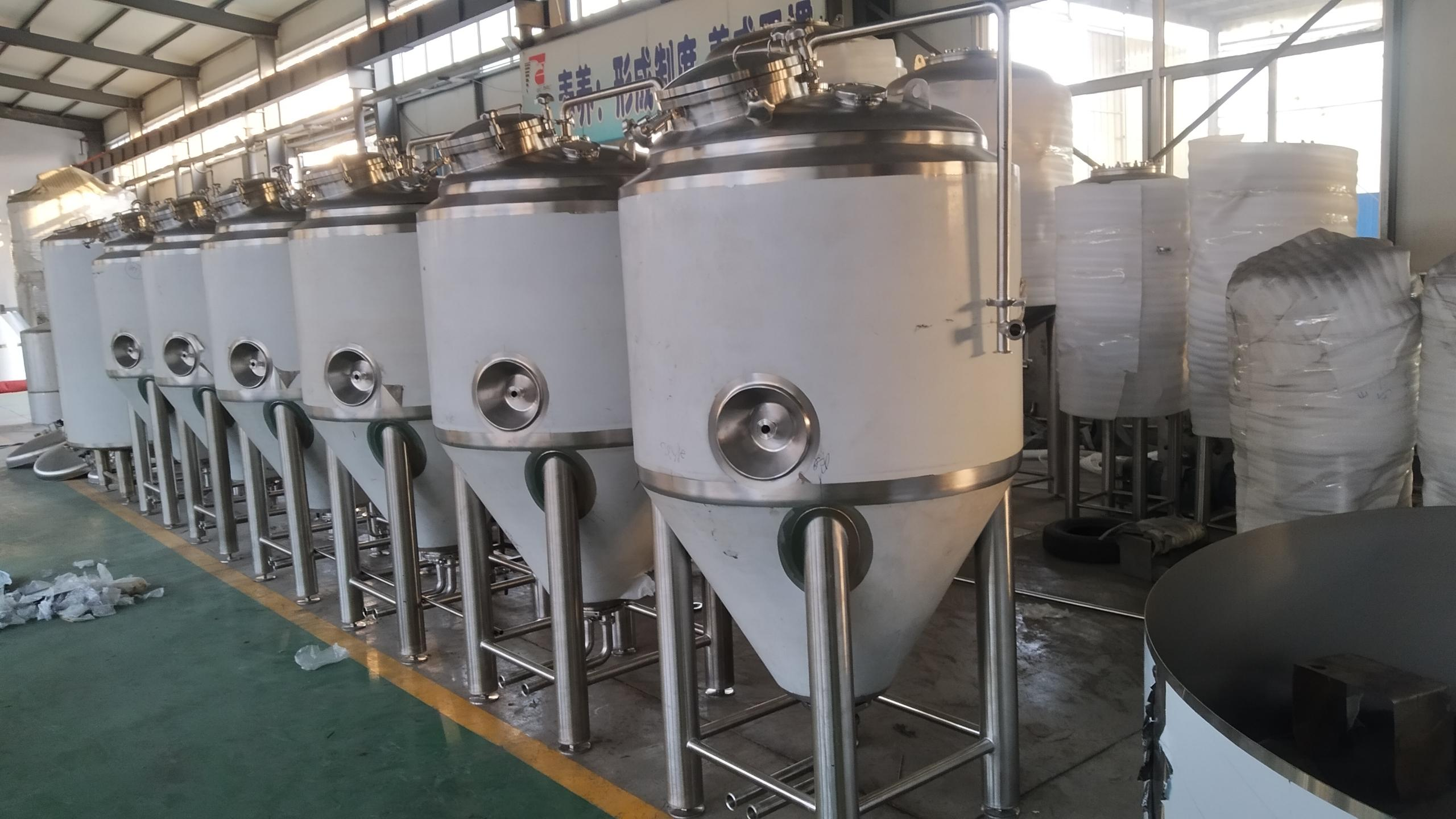 WEMAC brewing equipment to make craft beer at brew...